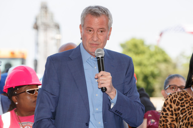 De Blasio's endorsement in mayoral race would be poison for candidates: poll